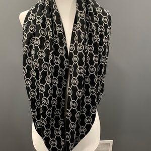 Michael Kors Signature Logo Scarf Black Gray Knit